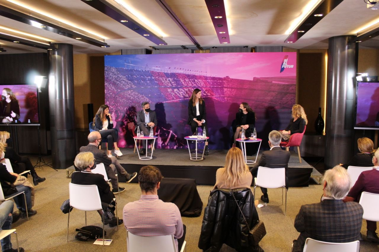 Women demand to play their part in the world of sport at a roundtable organised by Sí al futur